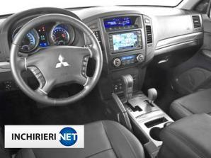 inchirieri masini Mitsubishi Montero Interior