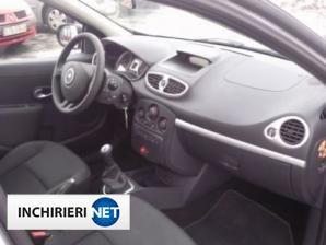 inchirieri masini Renault Clio Interior