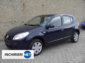 inchirieri masini Dacia Sandero Fata