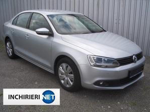 VW Jetta lateral