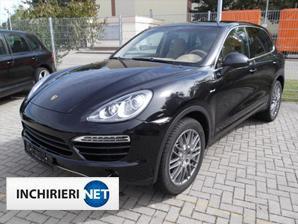 Porsche Cayenne fata