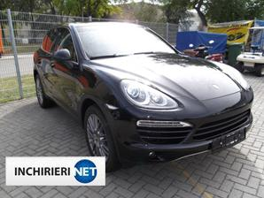 Porsche Cayenne lateral