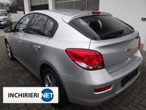 Chevrolet Cruze lateral
