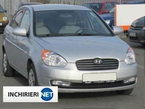 Hyundai Accent fata